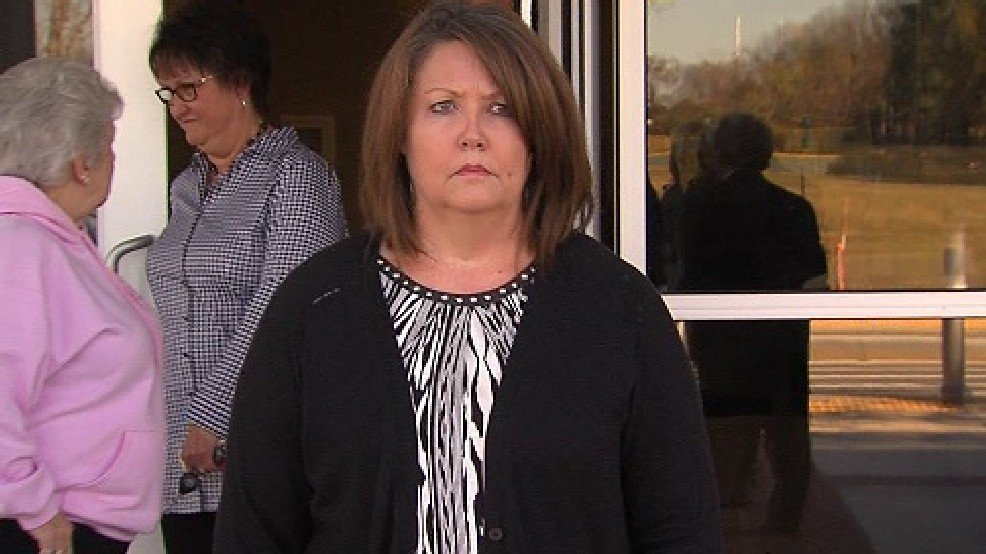 Judge delays decision on candidacy of convicted Faulkner county clerk - AMP