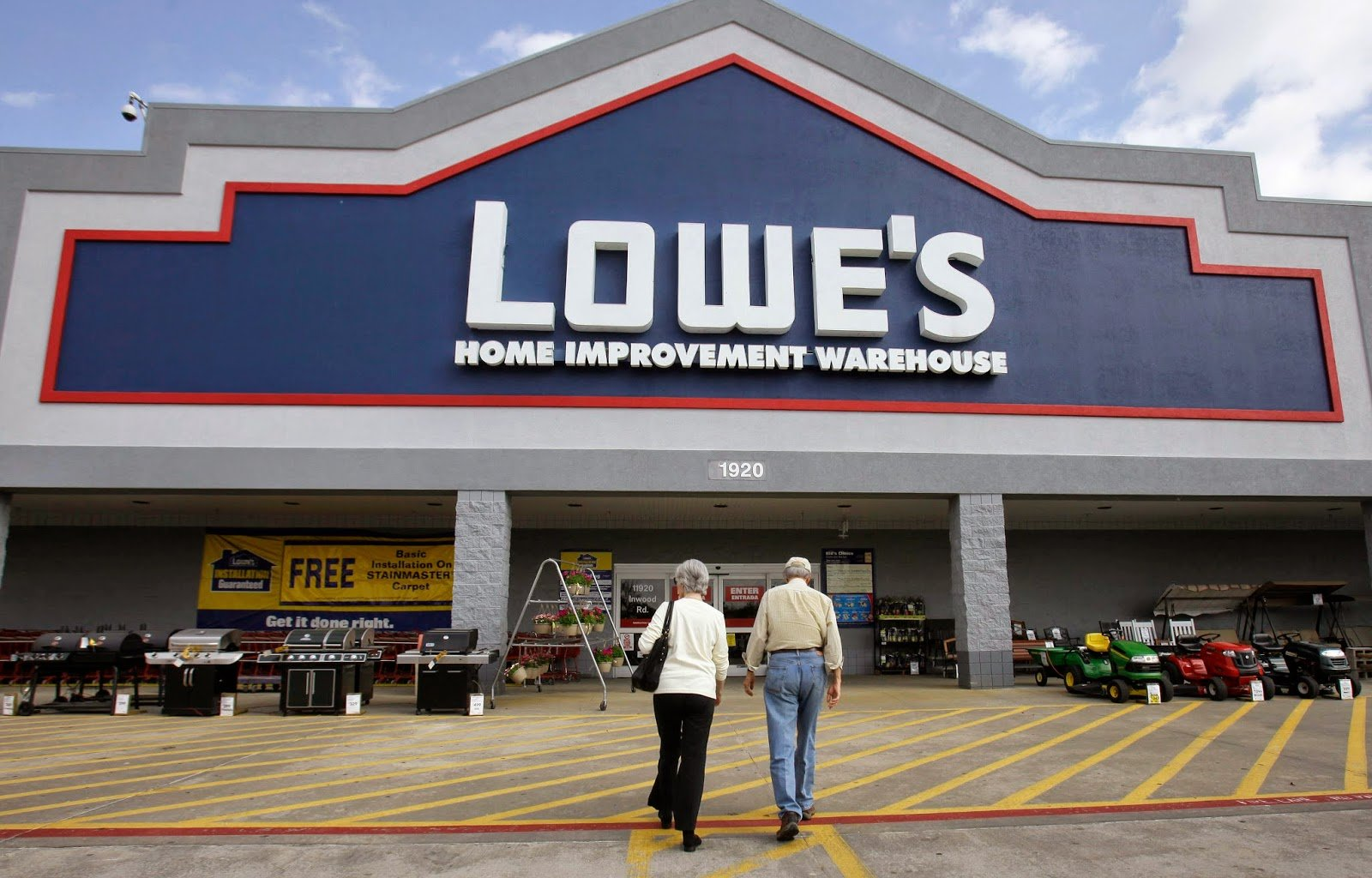 Lowe's closes $3.95 million property purchase in WLR - AMP